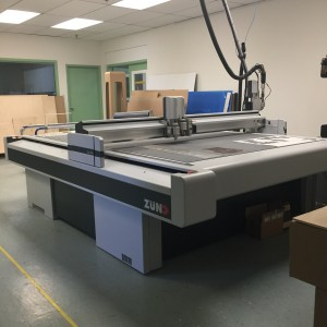 Best Graphics Group_ZUND G3 Flatbed Digital Die Cutter