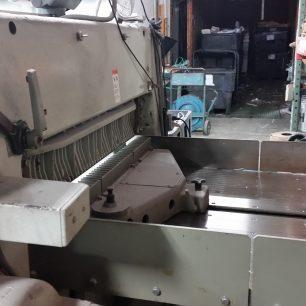 Polar 115 EMC MON Paper Cutter